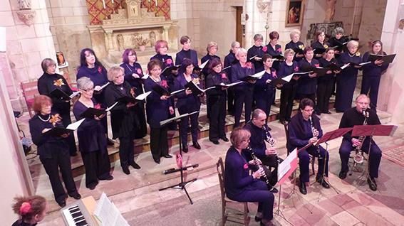 Choristes des Dames en choeur au pays des buis et ensemble de clarinettes au concert de Noël 2013
